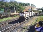 G12 531 puxando trem de manutencao