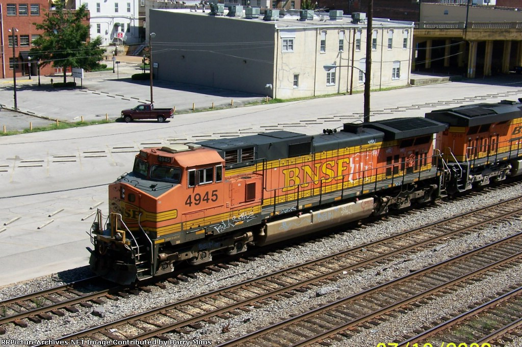 Closeup of BNSF 4945