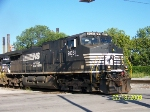 NS 9031 leads NS train 130