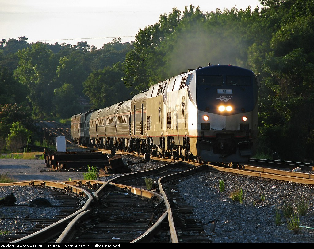 Amtrak 20, the northbound crescent roars through Bolton
