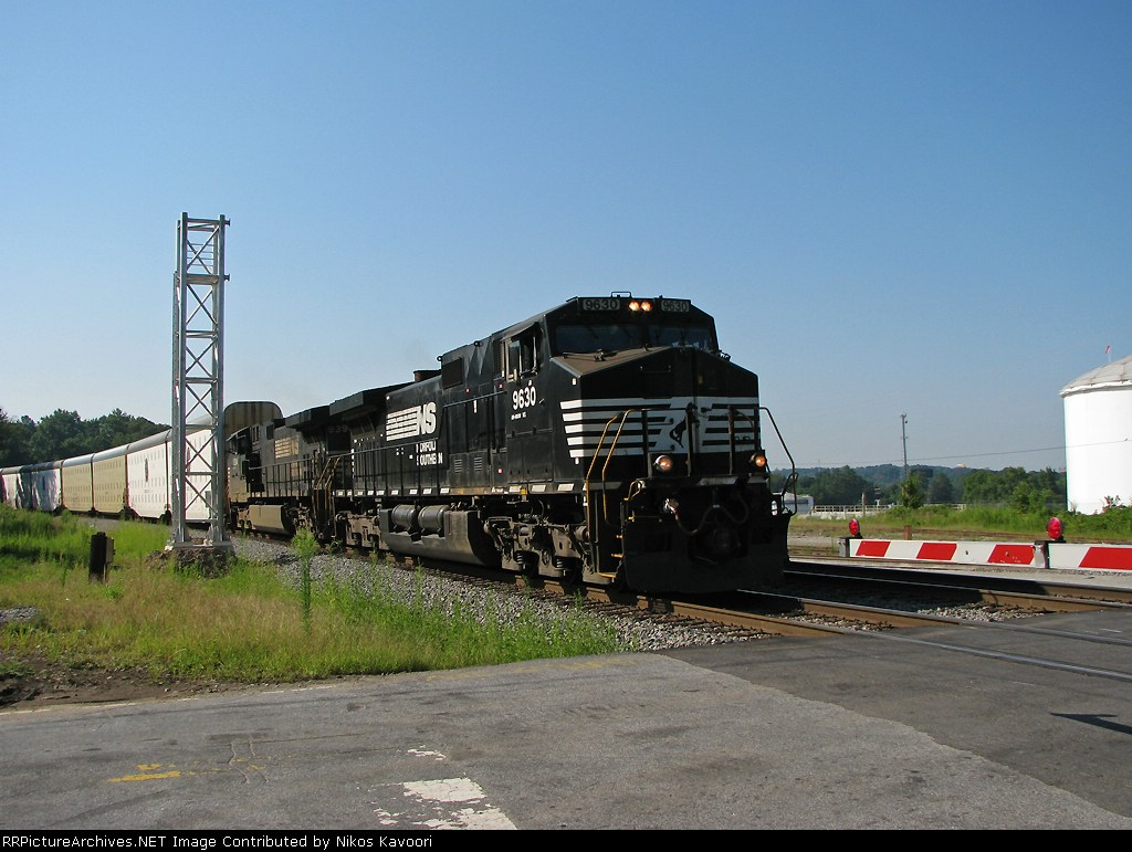 NS 9630 passing what will soon be the Parott St. signals