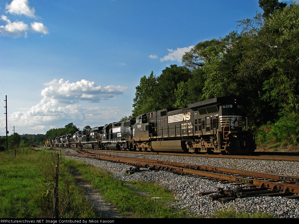 NS 9219 bringing up the end of the light power move