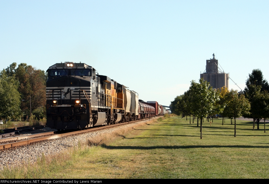 NS 9958, northbound CN train X39891-12