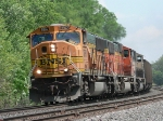 CP 883 throttling up out of Winona
