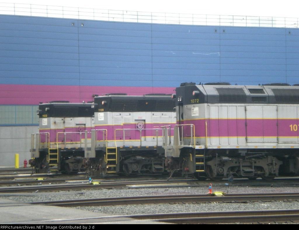 MBTA 1072, 1129,1122