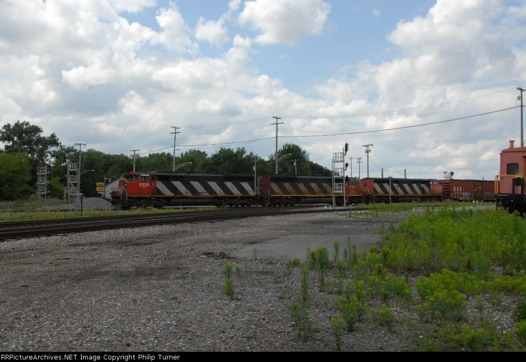 M394 with a rare consist