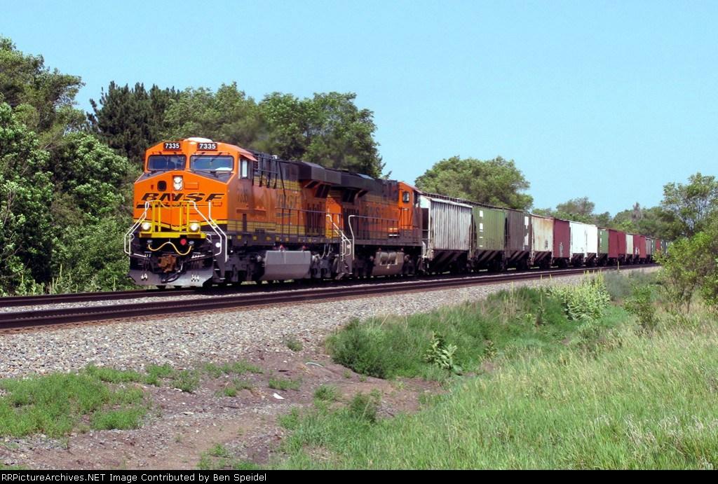BNSF 7335