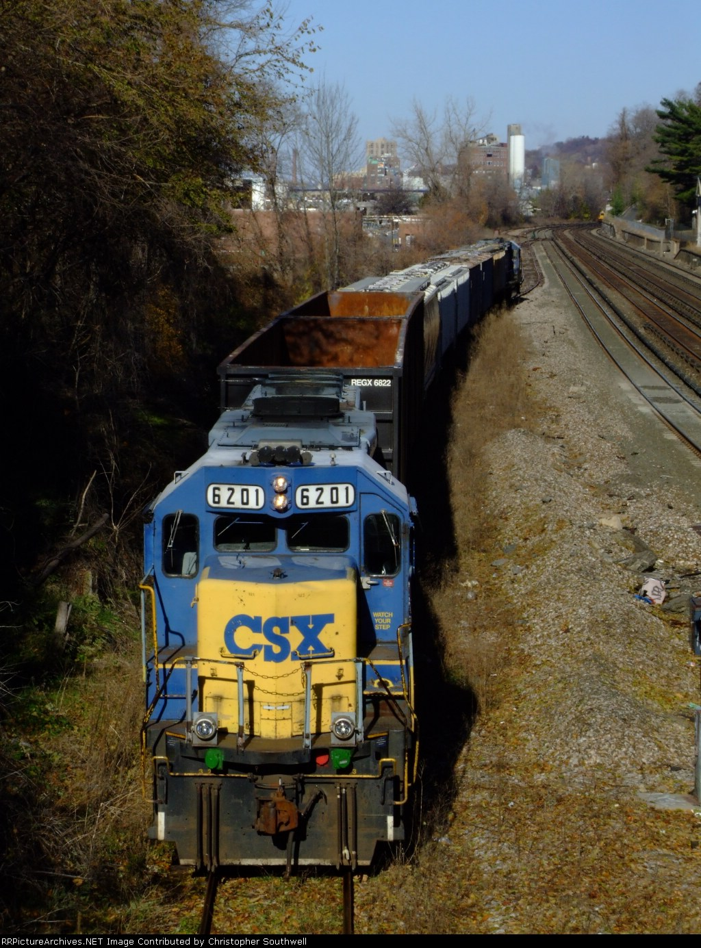 CSX B749 at the former NYC station near the bronx/westchester border
