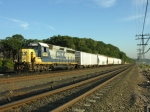 CSX B749 waits for the northbound signal at CP33