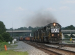 NS 2559 smoking it up as it leads NS 173 onto the Alabama Division