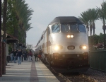 Metrolink's 888 Stops and Loads Passengers