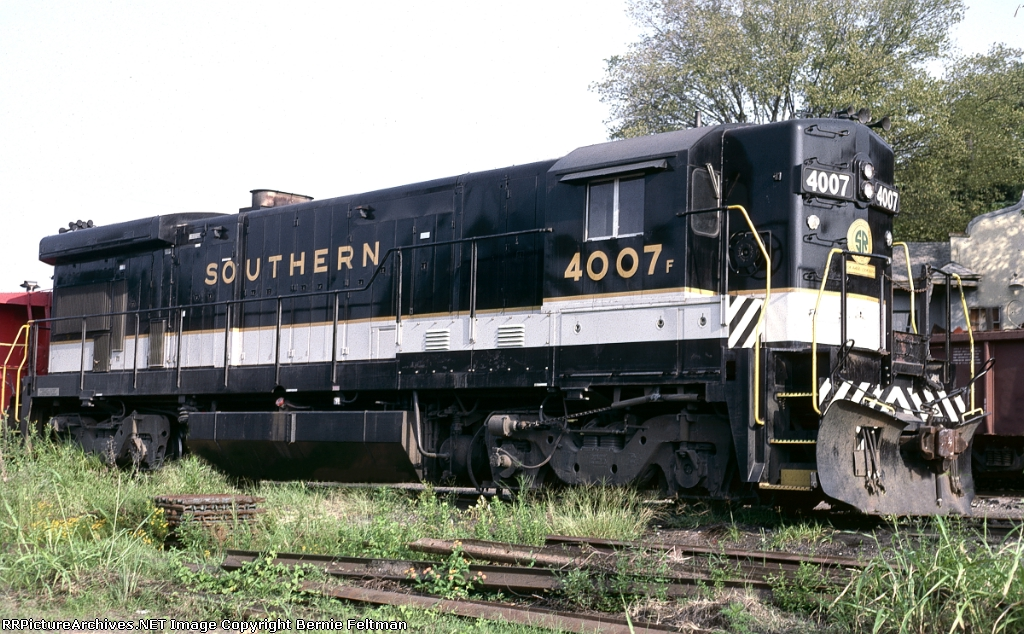 "Southern Railway B23-7 #4007, serving as power for both the Opelika Switch Engine and the ""T"" line Roanoke Rocket,"