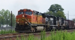 NS 38G with a BNSF leader