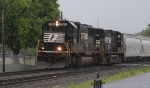 NS 2512 on a very rainy day at Macungie PA