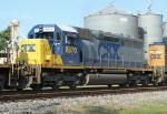 CSX 8870 on Q681