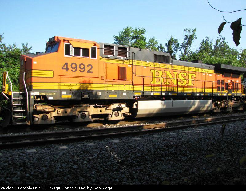 BNSF 4992