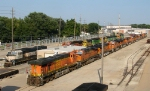 Lots of stored BNSF Gevos
