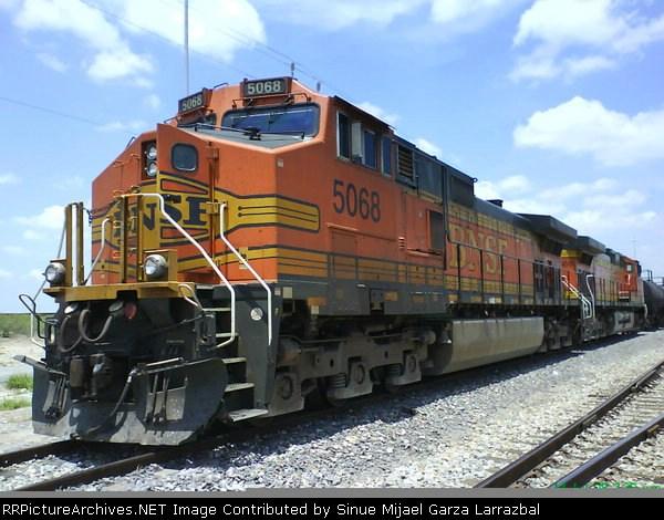C44-9W BNSF number #5068