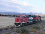 Es44AC Fxe #4609 with long mixed train