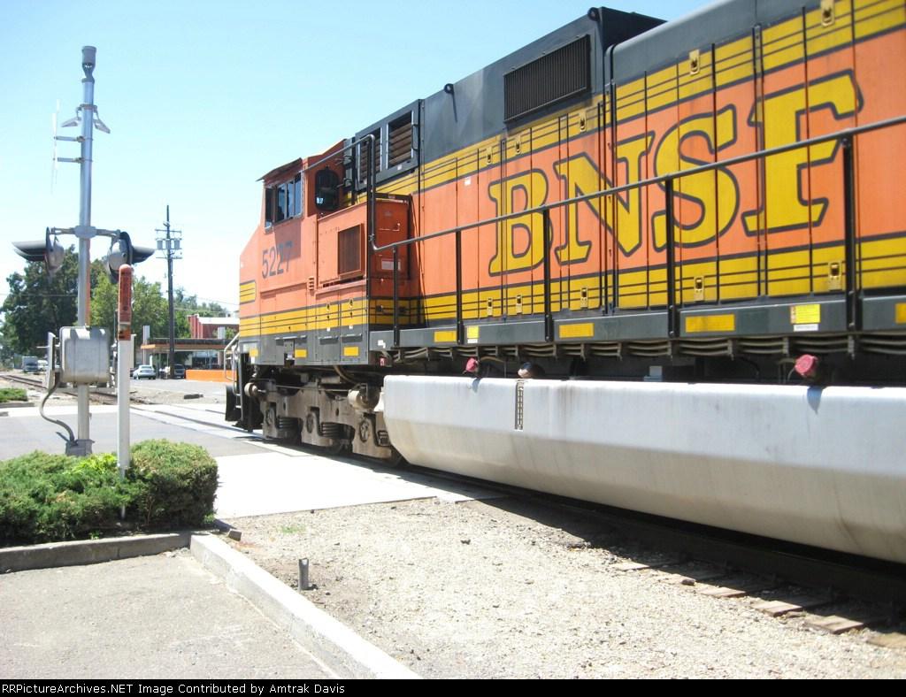 BNSF 5227 (part 2)