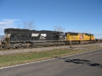 UP 4847 & NS 2617 on the NB 38Q