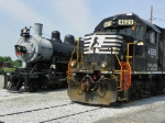 Norfolk Southern 4629 and Southern 604
