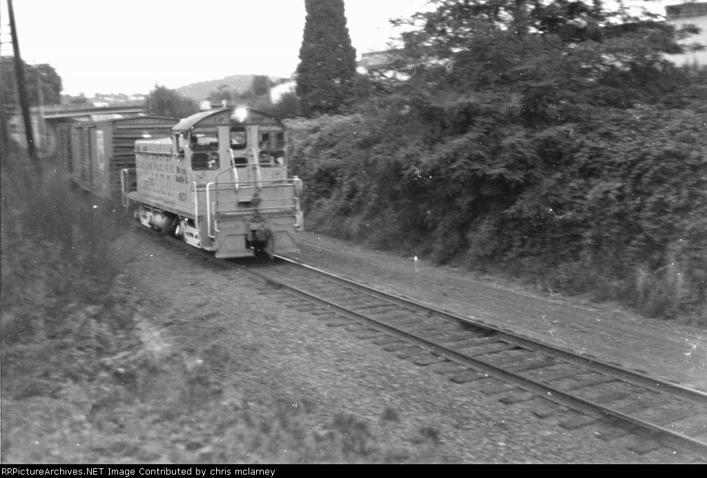 UP 1837 Rockwood local,inbound to Portland on the Graham line,NE 44thave.