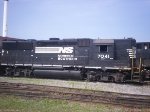NS GP50 7041 in the NS yard