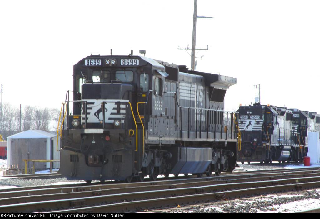 NS 8699