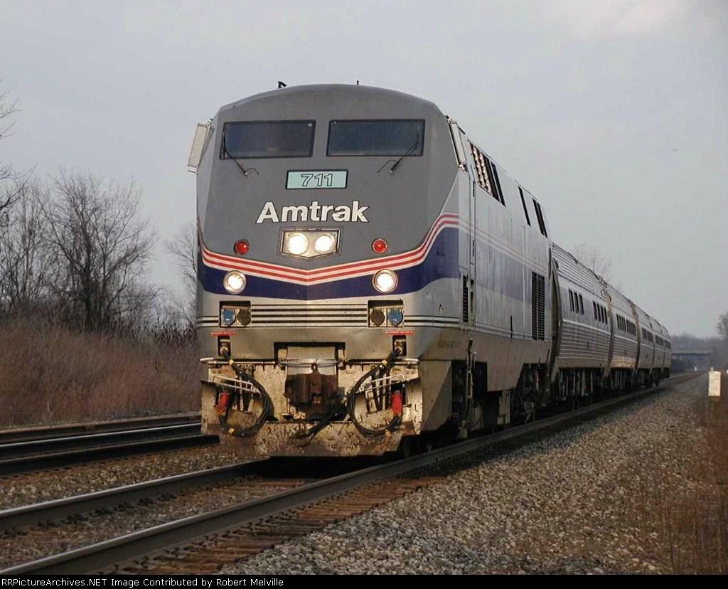 Amtrak 711 hustles toward Buffalo near MP 882