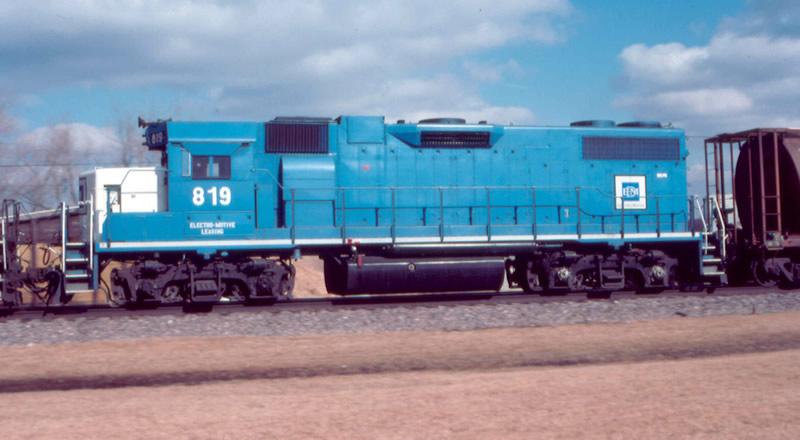 EMD 819 in motion