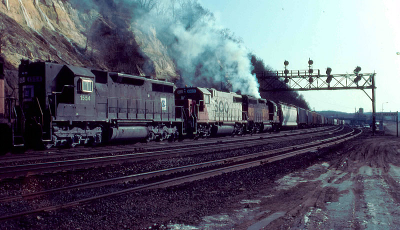 EMD 1554 with super smoke MILW unit