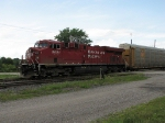 CP 8851 at Woodstock