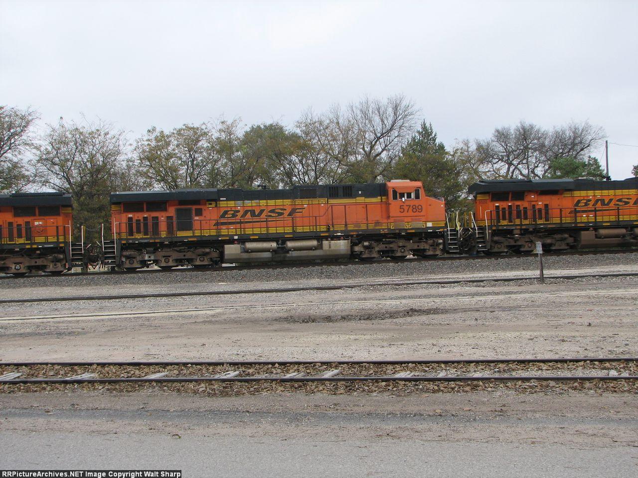 BNSF 5789
