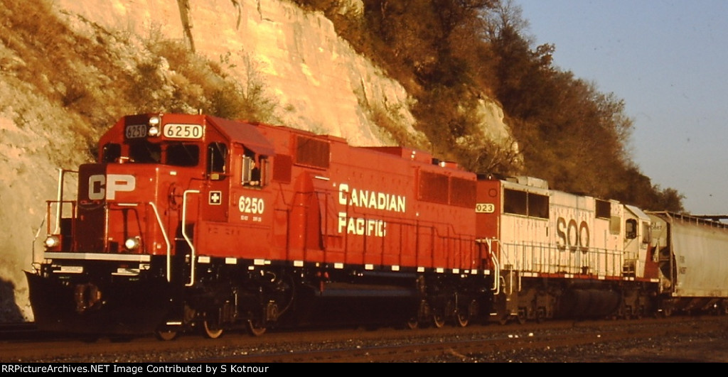 CP Rail SD60 and Soo Line SD60 headed past St Paul MN in Nov 2012.