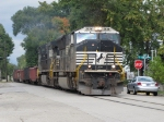 NS 2636 strolls down the trackage in Hickory St with 13K