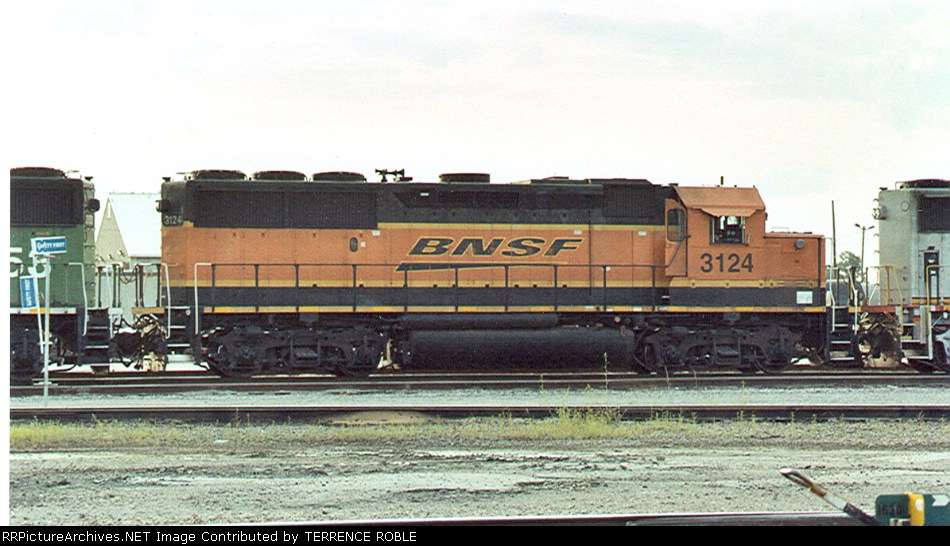 BNSF 3124 (ex-BN) in the new image