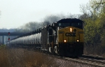 CSXT 221 leads G-FANMII7-10A, an eastbound ethanol train on the BNSF
