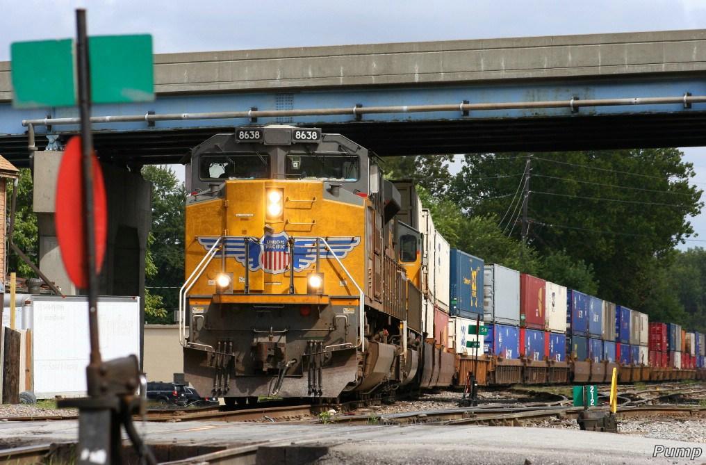 Westbound UP Intermodal Train