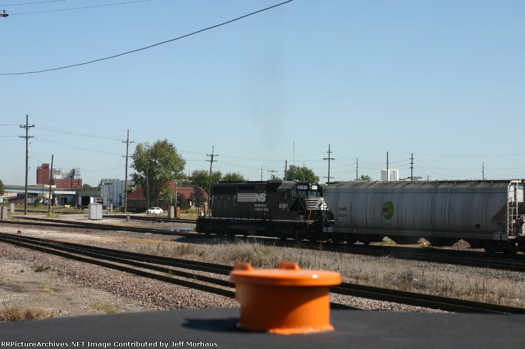 Shooting an SD40-2 from a SD40-2, Shot from FTRL 3161. Shot by permission.