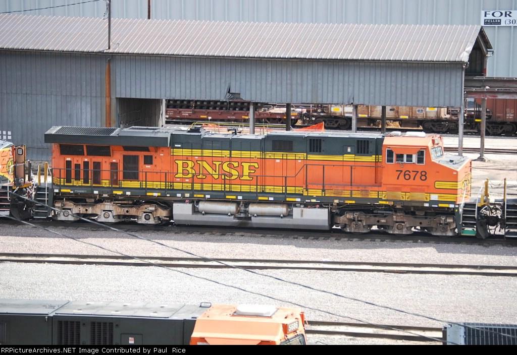 BNSF 7678