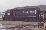 IC 8752
