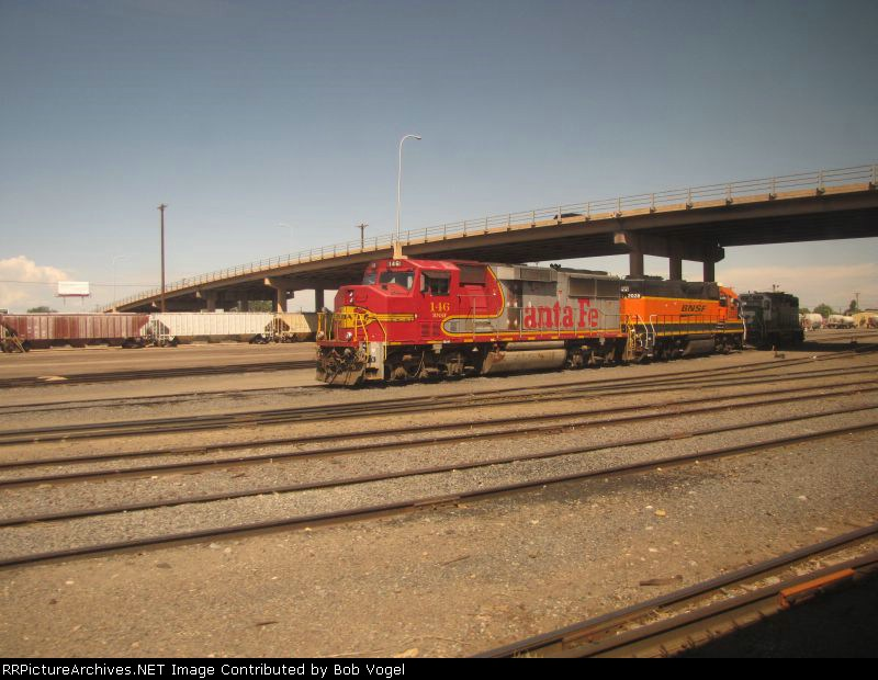 BNSF 146 and 2028
