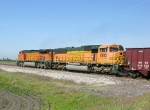 BNSF 8862 and 5039