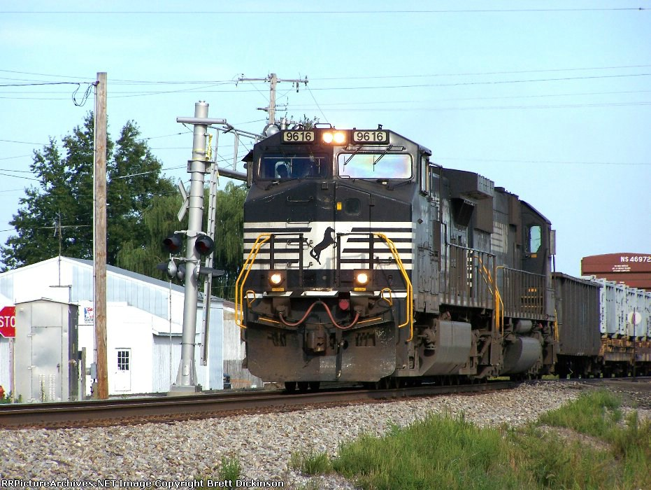 NS 9616 Leading train 168