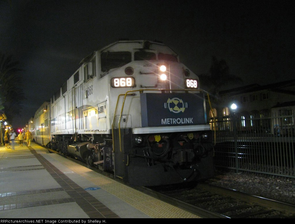A great night shot of 868 in Fullerton!