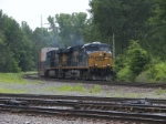 Two ES44DC's pull an intermodal train into the east end of Selkirk Yard