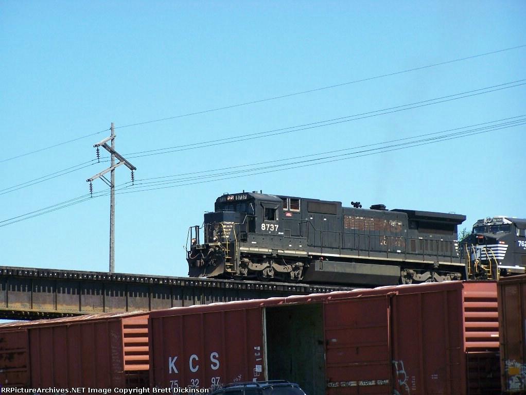 NS train 923 WB at Venice, IL