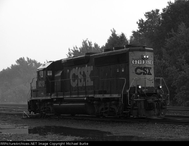 A close up view of GP40-2 #6210