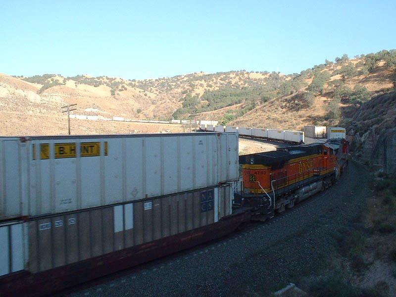 BNSF EB Mid Trains